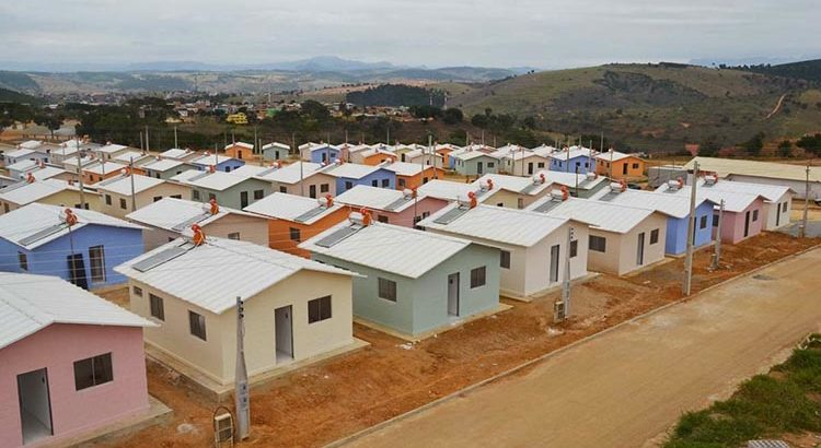 Resultado de imagem para a construção de mais 50 mil casas pelo programa Minha Casa, Minha Vida