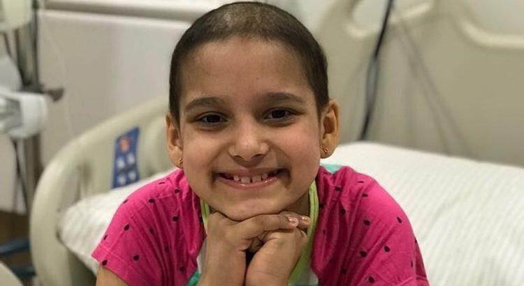 Resultado de imagem para Morre menina que motivou campanha contra o câncer